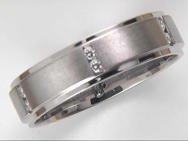 19 Karat White Gold Gentleman's Diamond Wedding Ring