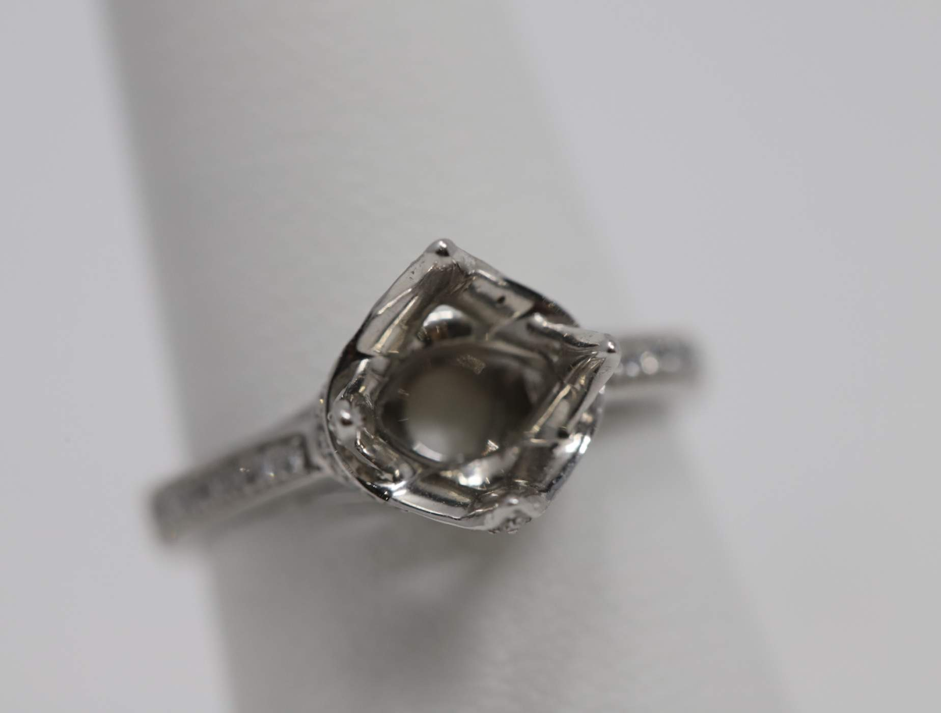 Lady's 18k White Gold (Currently No Major Stone Set In Mtg) Engagement Ring
