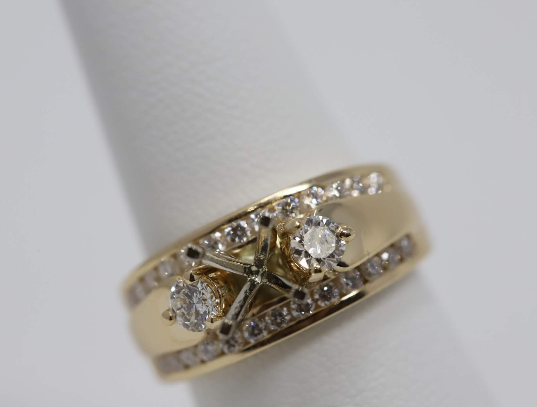 Ladies 14k Yellow Gold (no Major Stone Currently) Engagement Ring Mounting