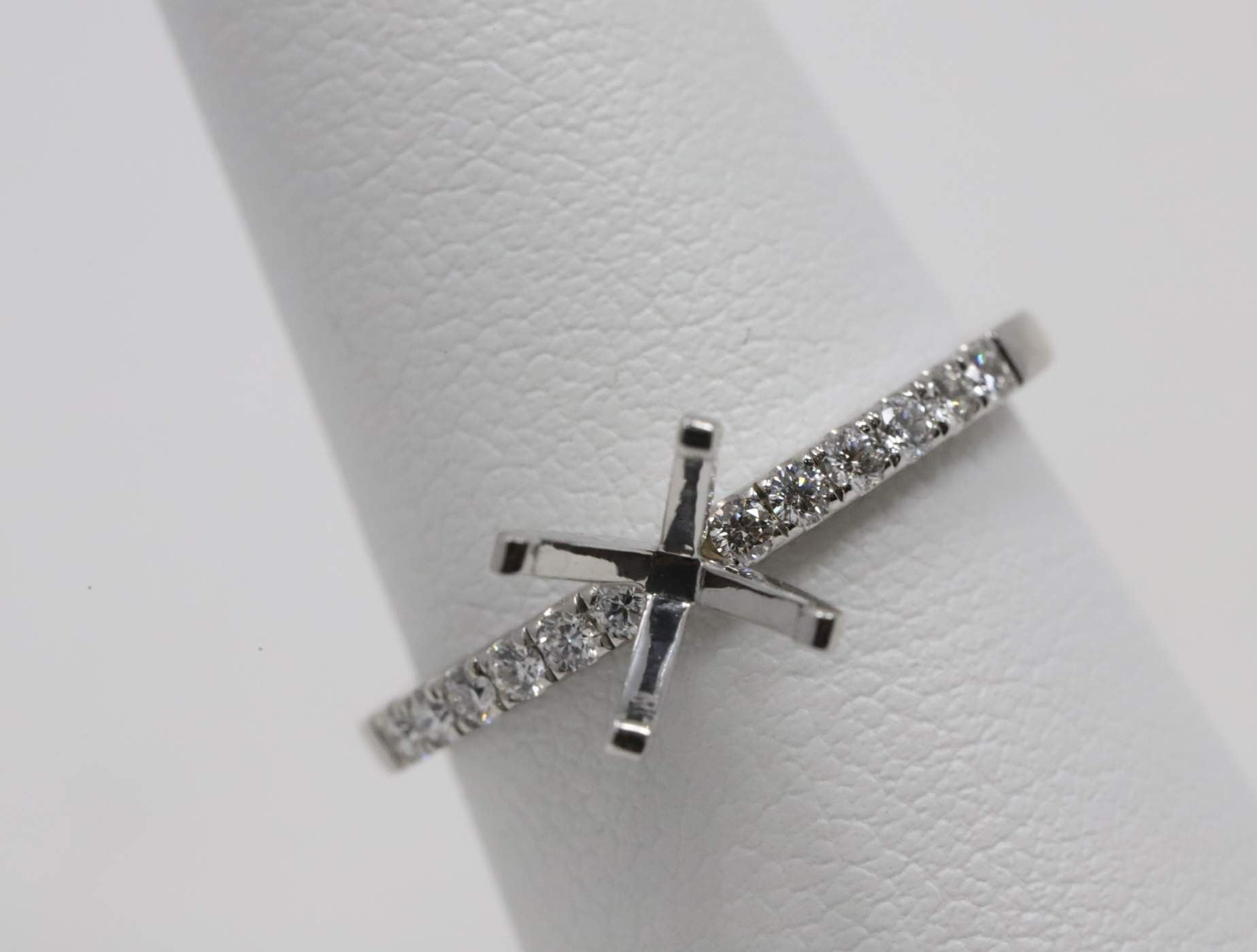 Ladies 14k White Gold (no Major Stone Currently) Engagement Ring Mounting