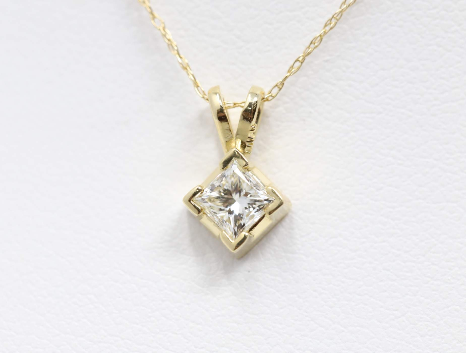 14k Yellow Gold Lady's Diamond Pendant