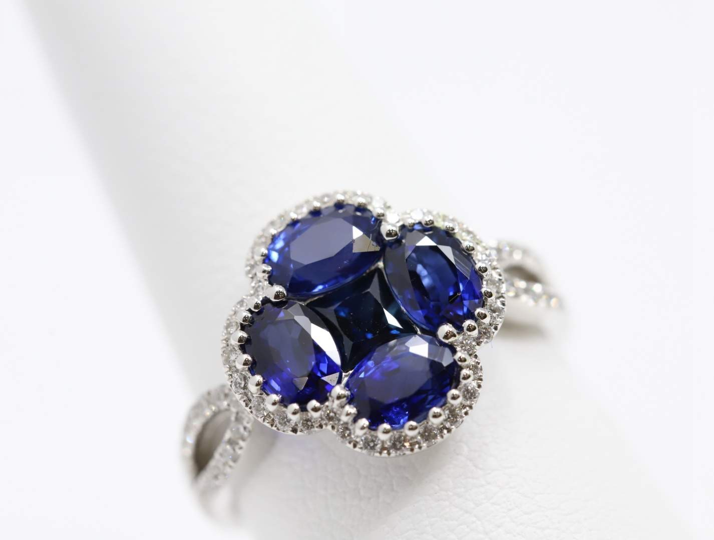 Ladies 14k White Gold Sapphire Ring