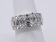 Ladies 18k White Gold (currently Has No Major Stone) Engagement Ring Mounting
