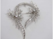 Ladies 18k White Gold Diamond Pin