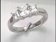 14k White Gold Lady's Diamond Ring