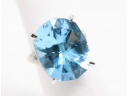 Ladies 18k White Gold Blue Topaz Ring